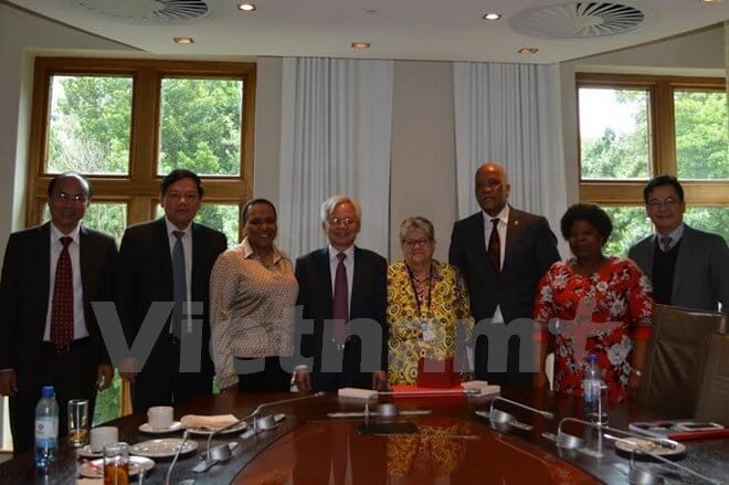Vietnam, South Africa seek further cooperation in scientific research