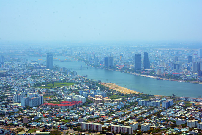 seaplane tour gives fresh glimpse of scenic da nang hinh 2