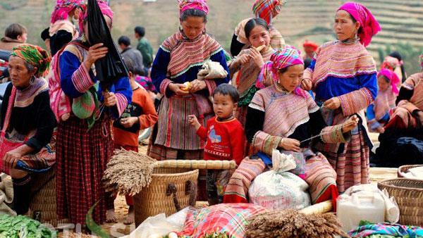 Bac Ha market – special cultural feature in Lao Cai-1-3