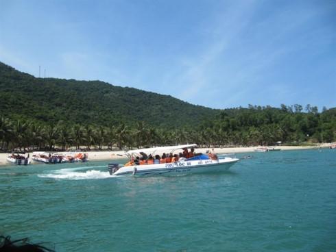cham islands officials resist plan to send tourist boats from da nang hinh 0