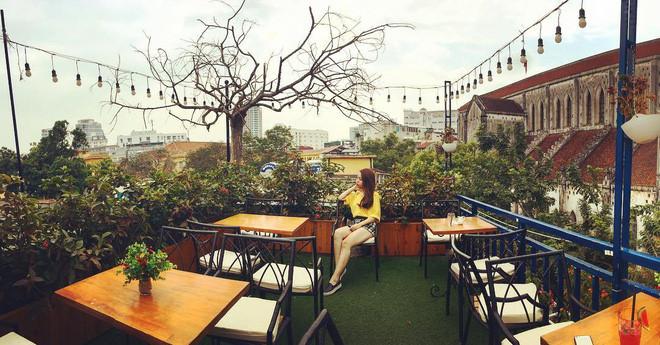hanoi coffee shops offer fantastic skyline views hinh 4
