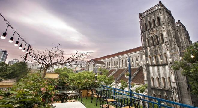 hanoi coffee shops offer fantastic skyline views hinh 6