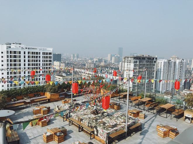 hanoi coffee shops offer fantastic skyline views hinh 8
