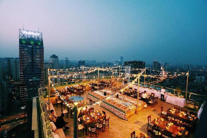 hanoi coffee shops offer fantastic skyline views hinh 9