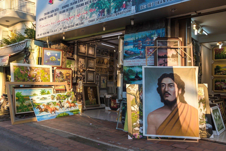 Art gallery on Tran Phu st.