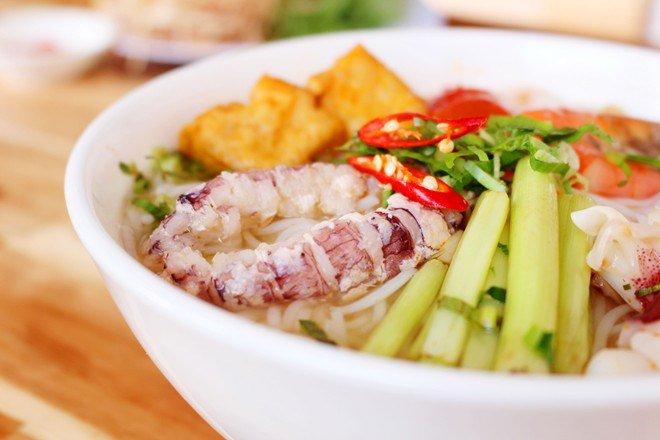 ha-long-bay-food